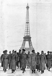 Les loups sont rentrés dans Paris (mi-juin 1940). Nous sommes une poignée de jours après l'armistice.