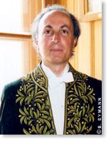 Thibault Damour est membre de l'Académie des sciences dans la section Physique.