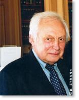 Jean-Paul Poirier est membre de l'Académie des sciences dans la section Sciences de l'univers, depuis 2002.
