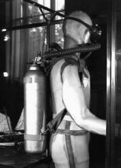 Mannequin équipé du scaphandre Cousteau-Gagnan (1943), Musée de la Marine.