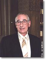 Maurice Goldman est membre de l'Académie des sciences de la section Physique, depuis 2004.