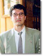 Philippe Sansonetti est microbiologiste, membre de l'Académie des sciences.