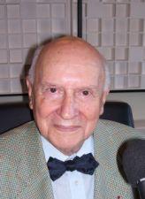 Jean Foyer est membre de l'Académie des sciences morales et politiques dans la section Législation, droit public et jurisprudence.