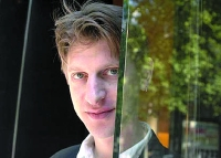 L'auteur américain Jonathan Littell a rédigé son premier roman entièrement en Français