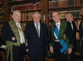 Remise des médailles à bibliothèque de l'Institut, le 20 novembre 2006; de gauche à droite, André Damien, Le Garde des Sceaux Pascal Clément et Yvon Gattaz.