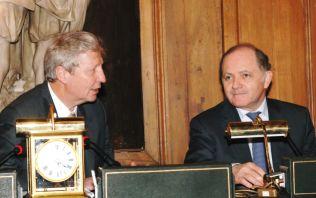 Jules Hoffmann, président pour l'année 2007 de l'Académie des sciences, et François Goulard, ministre délégué à la recherche.