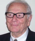Pierre Cardin est membre de l'Académie des beaux-arts depuis 1991.