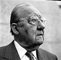 Henri Amouroux (1920-2007), journaliste, historien, membre de l'Académie des sciences morales et politiques.