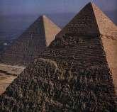Les pyramides du plateau de Gizeh en Egypte