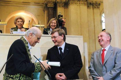Jean-François Bach, Albert D.M.E. Osterhaus et Sir John Skehel, le 13 juin 2007 sous la Coupole