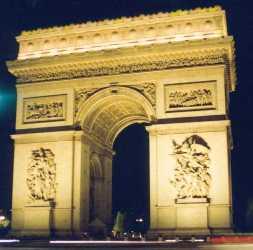 L'Arc de Triomphe, place de l'Etoile à Paris