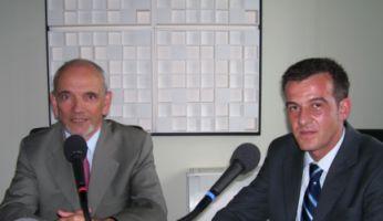Pierre Hudelot et Pascal Saura travaillent ensemble dans une Alliance française à Washington.