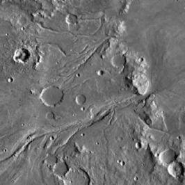 Cette image Viking Orbiter d'une région boréale a été interprétée comme la preuve flagrante de l'existence passée d'eau liquide sur Mars.