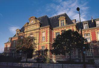 L'institut Pasteur à Paris fut fondé par décret le 4 juin 1887