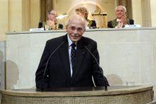 S.A.I et R. Otto de Habsbourg, membre de l'Institut, associé étranger de l'Académie des sciences morales et politiques, le 23 octobre 2007, sous la Coupole
