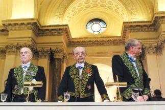 Jean Leclant, Bernard Pottier, Jean-François Jarrige de l'Académie des inscriptions et belles-lettres, sous la Coupole de l'Institut de France, le 23 novembre 2007