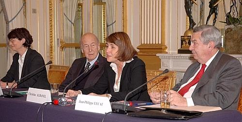 De gauche à droite:Perrine Canavaggio, Valéry Giscard d'Estaing, Christine Albanel et Jean-Philippe Lecat