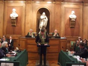 Le ministre Xavier Darcos, membre de l'Institut, le 3 décembre 2007, Grande Salle des séances de l'Institut de France