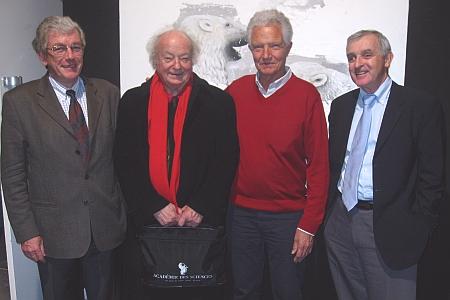 De gauche à droite: Jean-Pierre Alix, secrétaire générale du MURS, Paul Caro, de l'Académie des sciences, Président du Jury du prix Jean Rostand, Bertrand Jordan, et Jean Jouzel, actuel Président du MURS