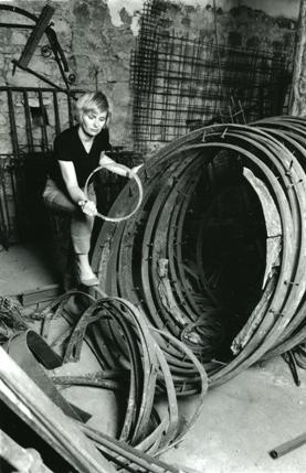 Rebecca Gregory, sculpteur sur métal et ferronnier d'art