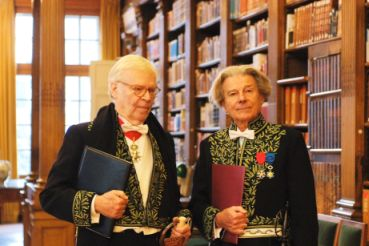 Pierre-Jean Rémy et Dominique Fernandez, le 13 décembre 2007, dans la bibliothèque de l'Institut de France.