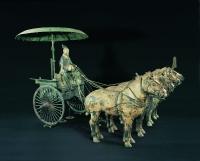 Char en bronze, modelèle représentant les véhicules utilisés pour les combats et les missions d'inspections