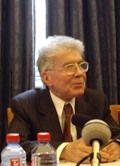 Bernard Bourgeois de l'Académie des sciences morales et politiques, 17 mars 2008, en salle des séances, Institut de France