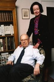 Jacques Tits, mathématicien Prix Abel 2008, membre de l'Académie des sciences, en compagnie de son épouse
