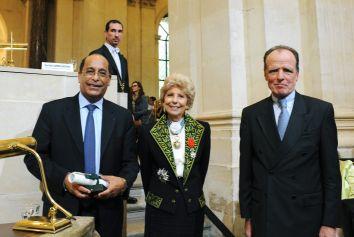 Hélène Carrère d'Encausse au centre et les représentants de l'Unversité française d'Égypte, sous la Coupole le 12 juin 2008