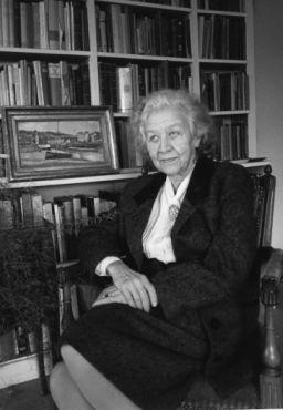 Jacqueline Worms de Romilly, helléniste, membre de l'Académie des inscriptions et belles-lettres et de l'Académie française