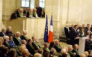 Le président de la République Nicolas Sarkozy, à l'Académie des sciences morales et politiques, le 7 octobre 2008, sous la Coupole de l'Institut de France