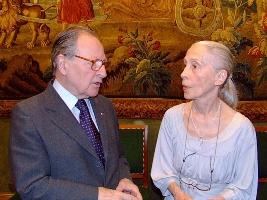 A droite, madame Jacqueline Gestalder