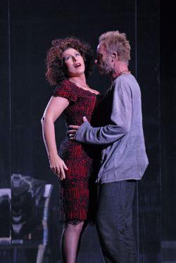 Marie-Ange Todorovitch et Sting dans leur duo, en répétition.
