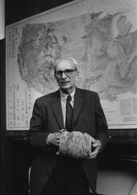 Lévi-Strauss, de l'Académie française, photographié au Collège de France © Louis Monier