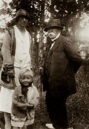 Lise Devinat, arrière-petite nièce de Georges Clemenceau, est au premier plan