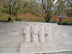 les 4 personnages du monument de Genève: Guillaume Farel, Jean Calvin, théodore de Bèze et John Knox