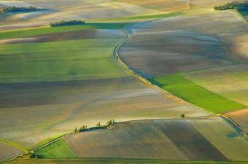 Photo aérienne de champs cultivés dans l'Aube