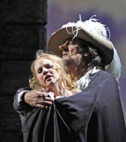 Nathalie Manfrino et Placido Domingo dans Cyrano de Bergerac, au théâtre du Châtelet, 2009