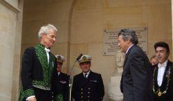 Jean-Louis Borloo,  Ministre d'État, Ministre de l'Écologie, de l'Énergie, du Développement durable et de l'Aménagement du Territoire et Jacques Rougerie de l'Institut