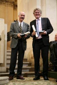 Messieurs Louis Garcia-Larrea et John N. Wood, Lauréats du Prix scientifique de la Fondation NRJ, 10 juin 2009, Coupole de l'Institut de France