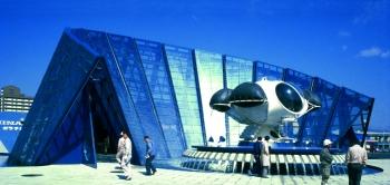 Pavillon de la mer, Osaka (1981) avec Galathée (1977), maison sous-marine, exposée devant l'entrée de ce musée:  Jacques Rougerie architecte