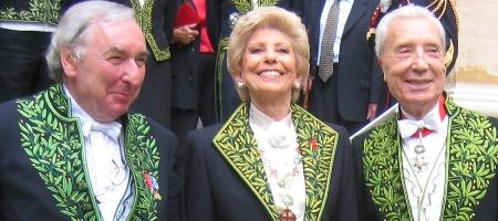 Jean Clair accompagné de Hélène Carrère d'Encausse, Secrétaire perpétuel de l'Académie française et Marc Fumaroli de l'Académie française