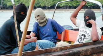 Pirates sur le détroit de Malacca