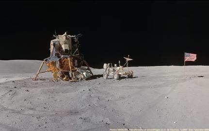 Apollo 16 sur le plateau Descartes