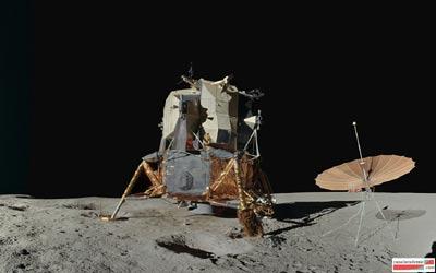 Le module lunaire avec l'antenne-parapluie