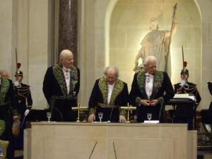 Arnaud d'Hauterives, Secrétaire perpétuel, Antoine Poncet, Roger Taillibert, membres de l'Académie des beaux-arts, le18 novembre 2009 ( de gauche à droite)