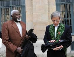 Ousmane Souw et Jean-Christophe Rufin de l'Académie française, 12 novembre 2009