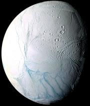 Encelade, une lune glacée de Saturne