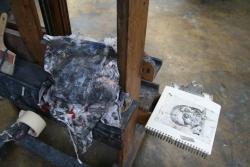 chevalet et carnet de dessin de Vladimir Velickovic, atelier du peintre le 9 février 2010