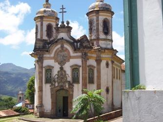 Une des nombreuses églises baroques d'Ouro Preto